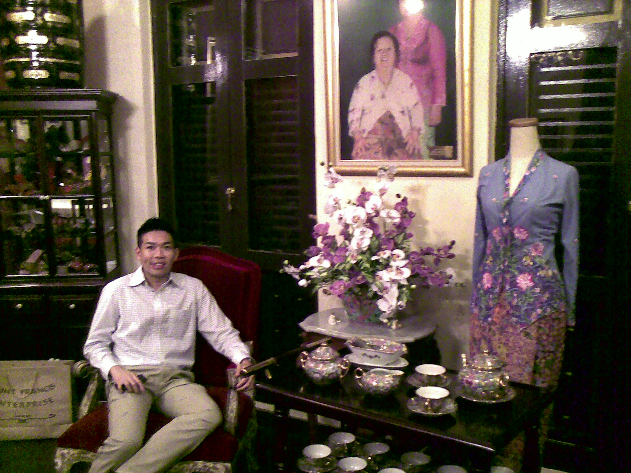 Kebaya & table wares displays
