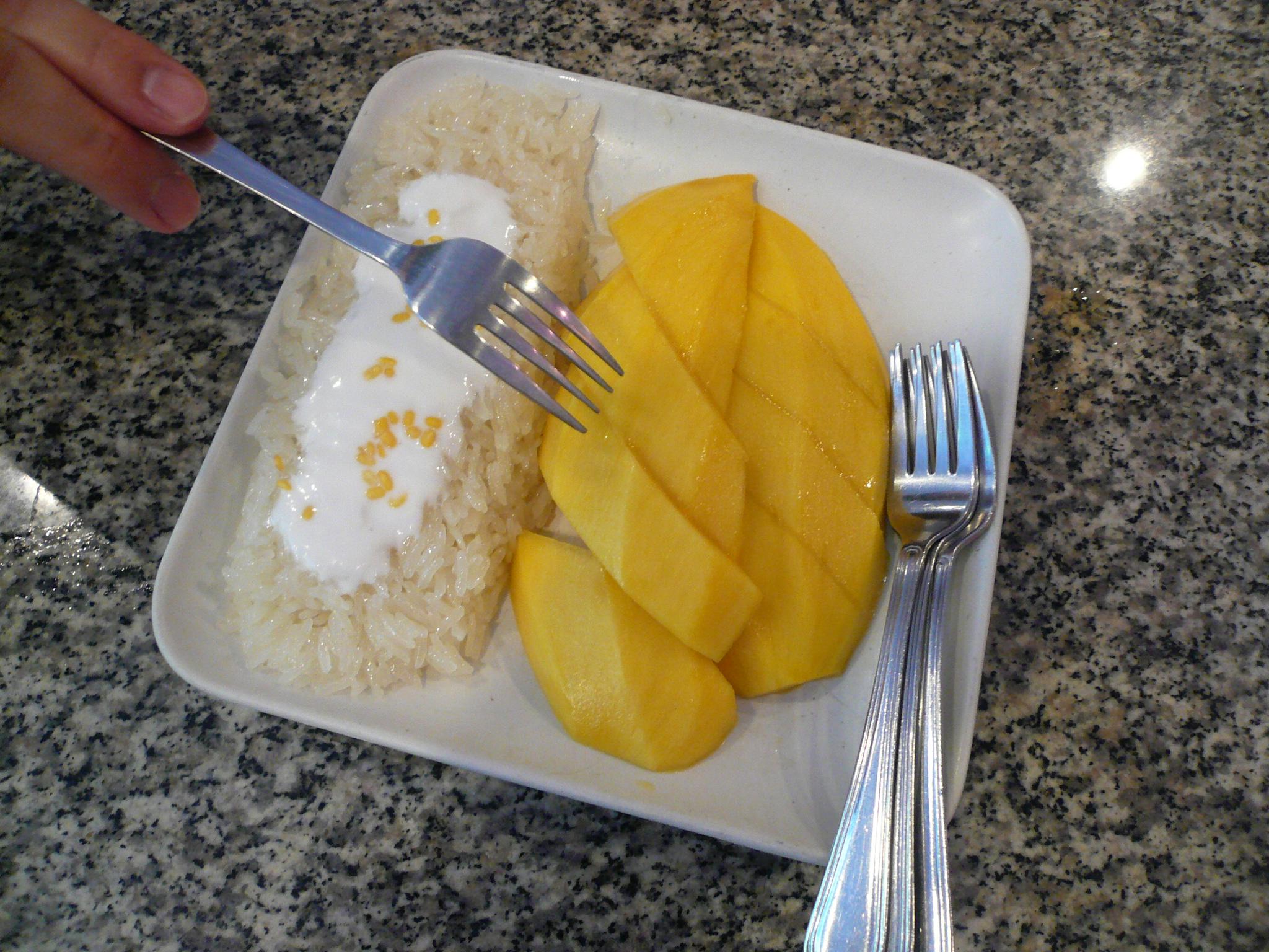 A classic and scrumptious Thai dessert