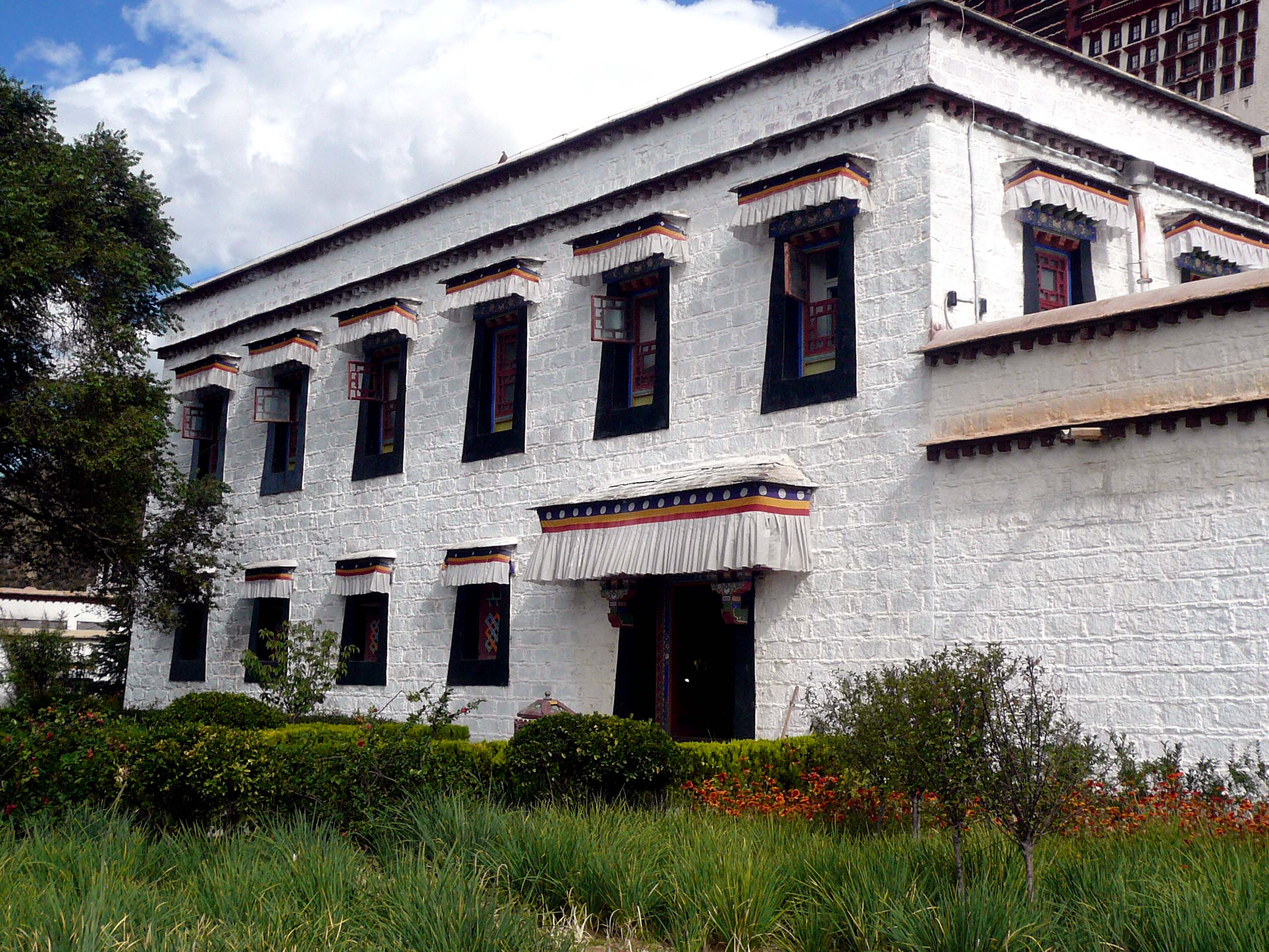 A typical level 1 administrative building within the protective walls of the Potala Palace