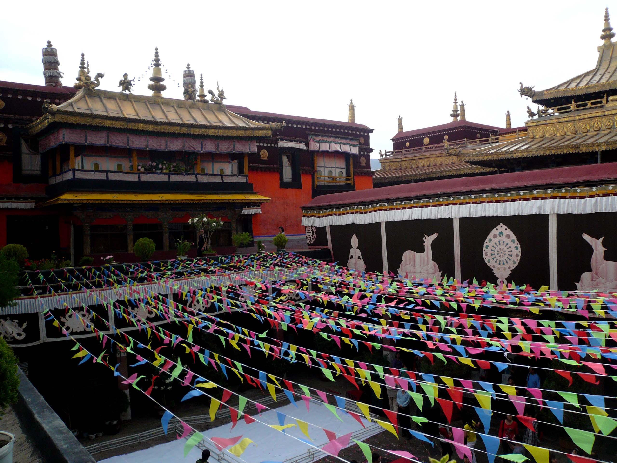 Kết quả hình ảnh cho jokhang temple
